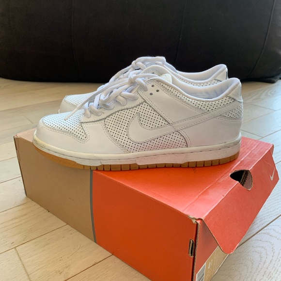 more photos 97d5d 50314 Nike Dunk Low Kids Size 4.5 Women s Size 6. M 5bf59be33e0caa99e3d39a77